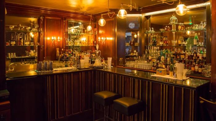 68 and Boston, Boston bar